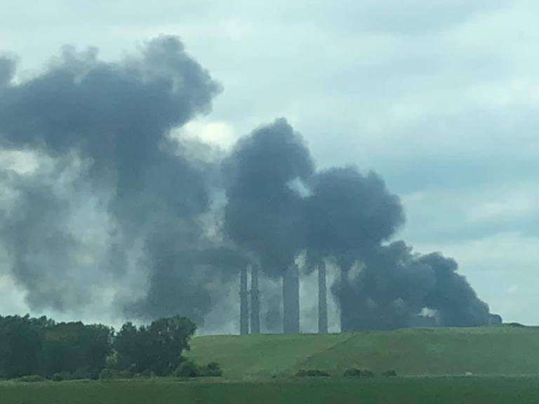 انفجار و آتشسوزی در نیروگاه برق