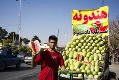 مردم فریب قیمت ارزان هندوانه را نخورند/  باغداران از ورود سیب به بازار ممانعت میکنند