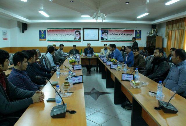 حکم ریاست هیئت وزنهبرداری استان به نام حسین محراب خورد