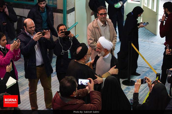 چه شخصیتهایی در حسینیه جماران حضور یافتند/ ببینید