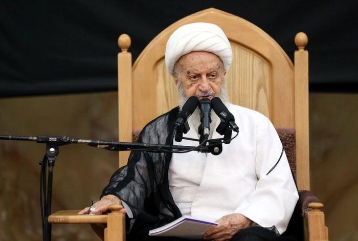 واکنش آیت الله مکارم شیرازی به سخنان رئیس جامعه مدرسین و آملی لاریجانی