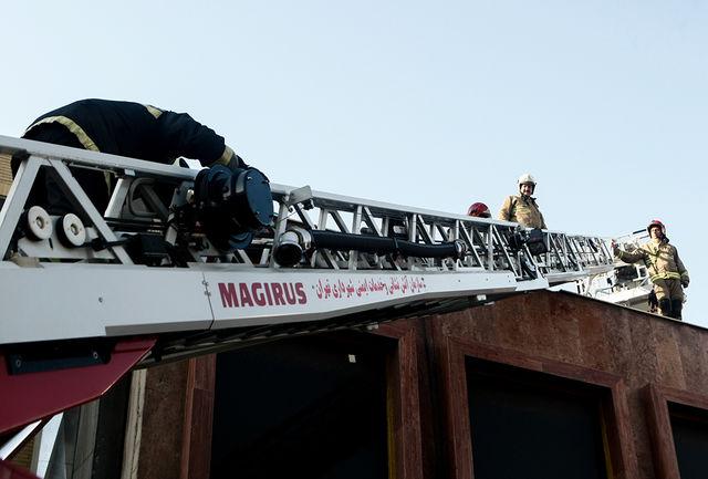 آتش سوزی به دلیل رعایت نکردن اصول ایمنی هنگام عایق کاری پشت بام