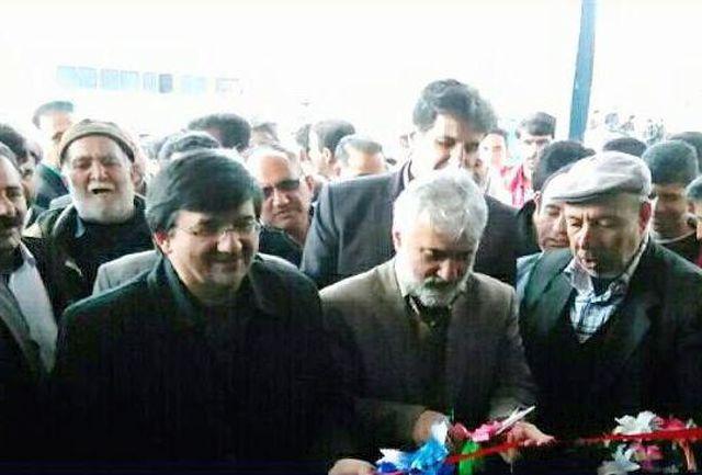 احمدی، سالن ورزشی روستای آورگان و سالن چند منظوره شمسآباد را افتتاح کرد