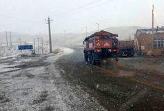بارش برف در محورهای آبیک- طالقان و قزوین-الموت
