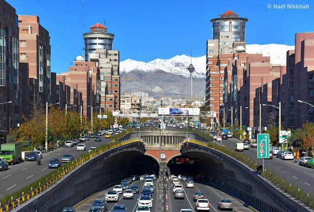 وانت پیکان عامل ترافیک فوق سنگین در اتوبان نواب تهران