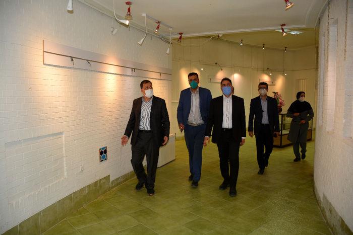 توسعه نگارخانه در زمره اولویتهای فرهنگی شورا و شهرداری شیراز است