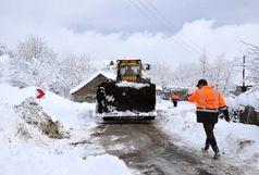 بارش برف و کولاک ۱۹۲راه روستایی را در قزوین مسدود کرد