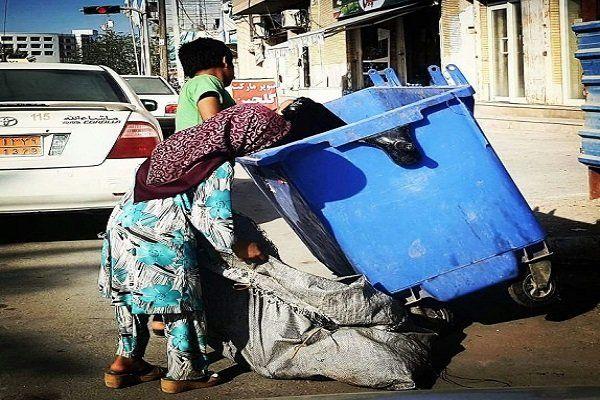 پلاستیکهای کرونایی را بسوزانید/ وزارت بهداشت و سازمان حفاظت از محیط زیست برای زبالههای کرونایی فکری کند