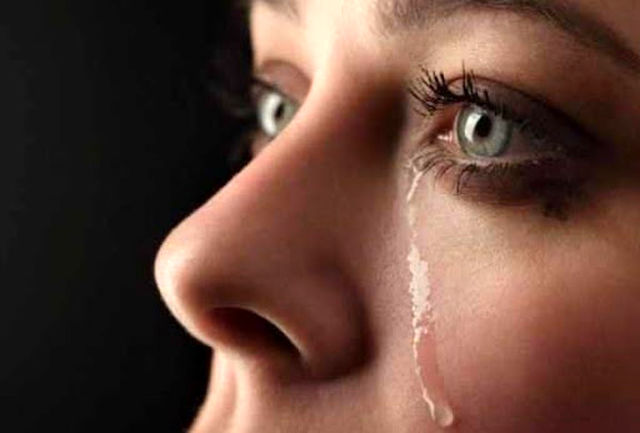 چرا زنان گریه میکنند