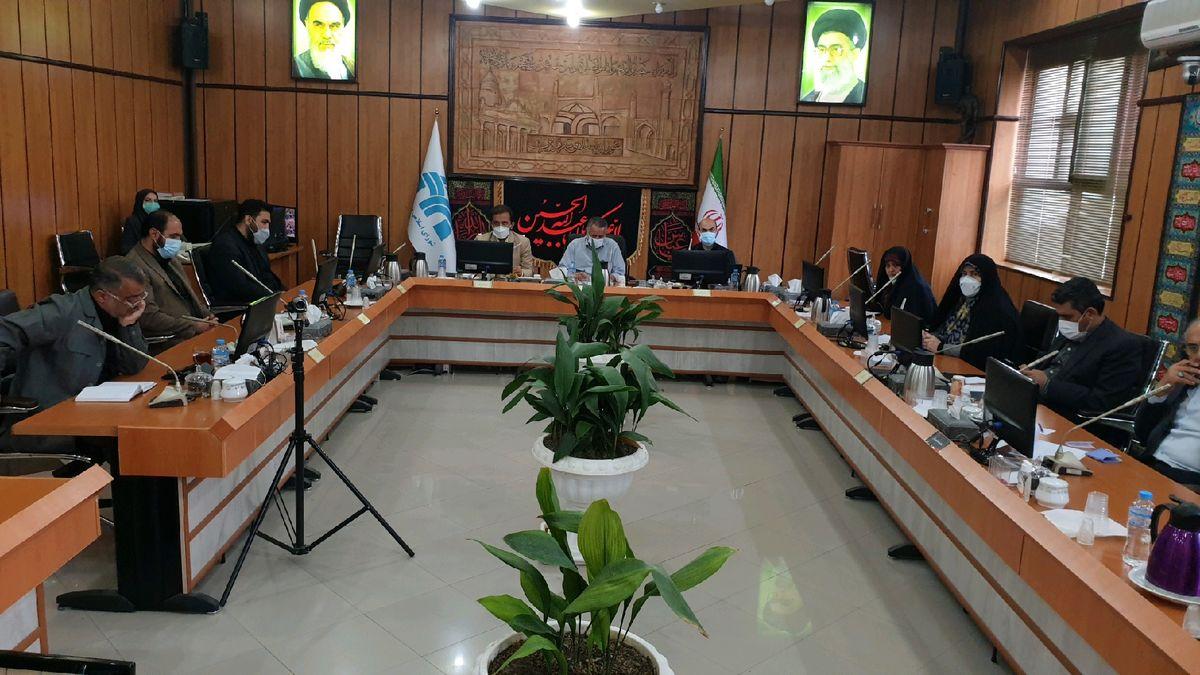 شورای شهر قزوین 2 میلیارد ریال به ستاد اربعین کمک کرد