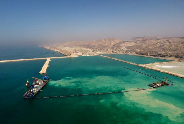 شهرستان پارسیان با پیگیری استاندار هرمزگان از مرز رسمی برای صادرات و واردات برخوردار شد
