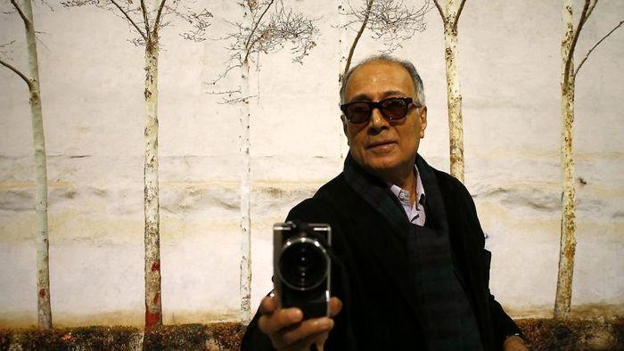 عباس کیارستمی، ستایشگر زندگی در سینما / فیلمسازی که هیچگاه به ورطه تکرار نیفتاد