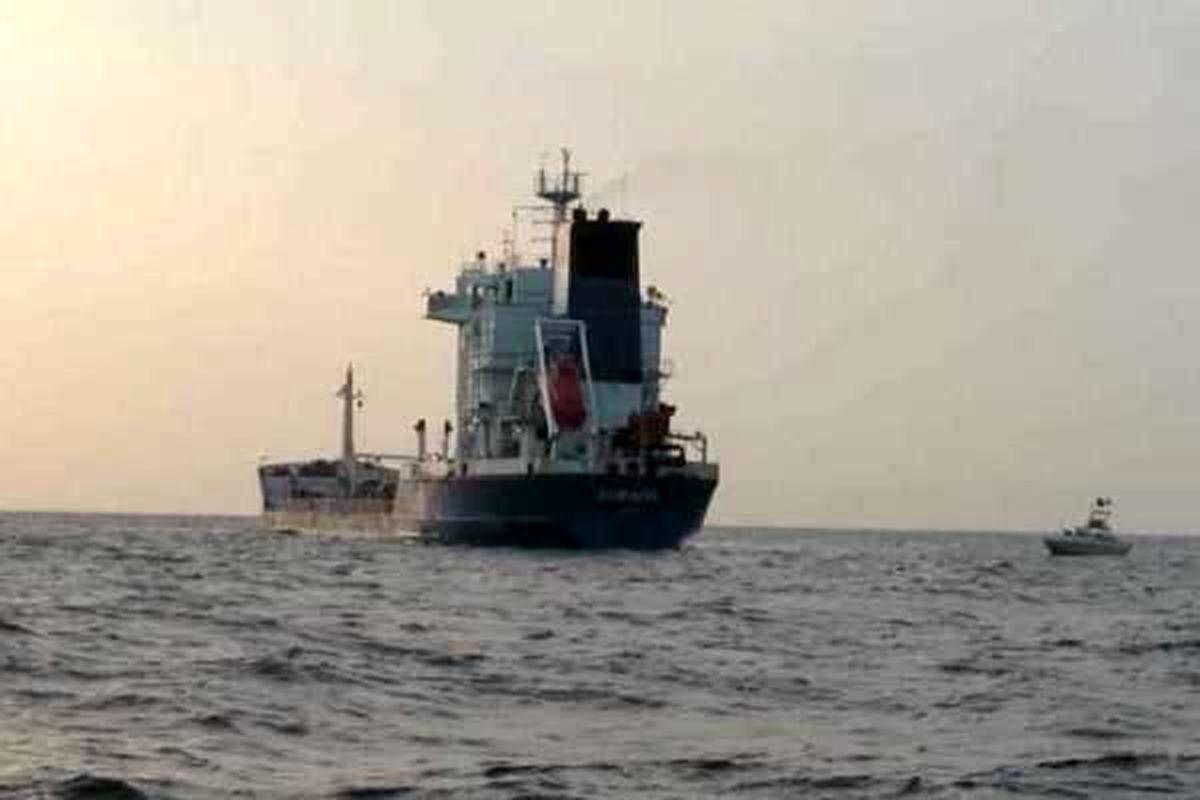 کشف بیش از ۴۳ هزار لیتر سوخت قاچاق در آب های خلیج فارس