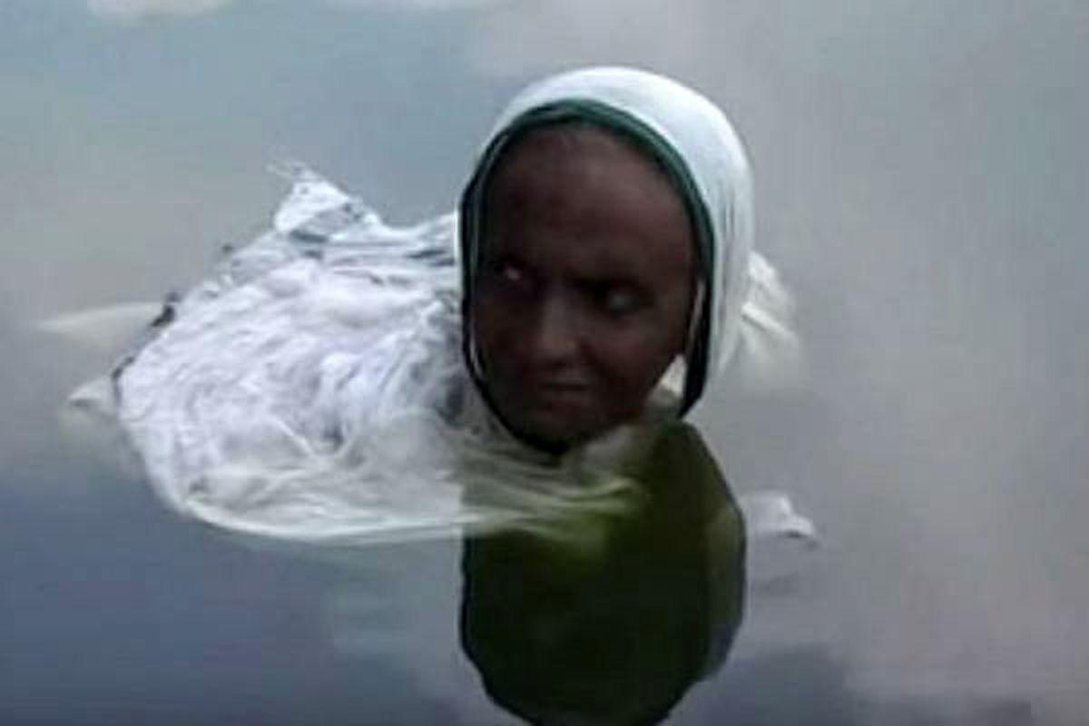 این زن بخاطر بیماریاش تبدیل به پری دریایی شد ! + عکس