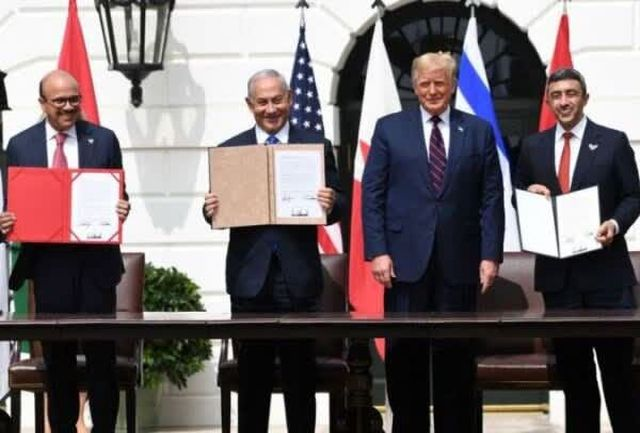 بررسی اعتراضات به امضای توافق ننگین در کاخ سفید