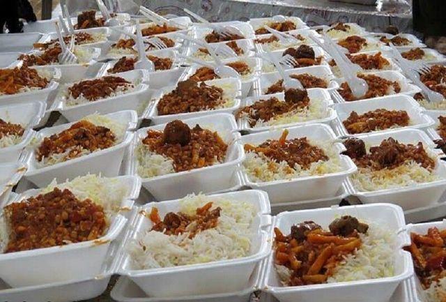 توزیع غذای گرم در بین نیازمندان چهارمحال و بختیاری
