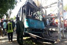 انحراف اتوبوس شهری اهواز ۱۸ مصدوم بر جای گذاشت
