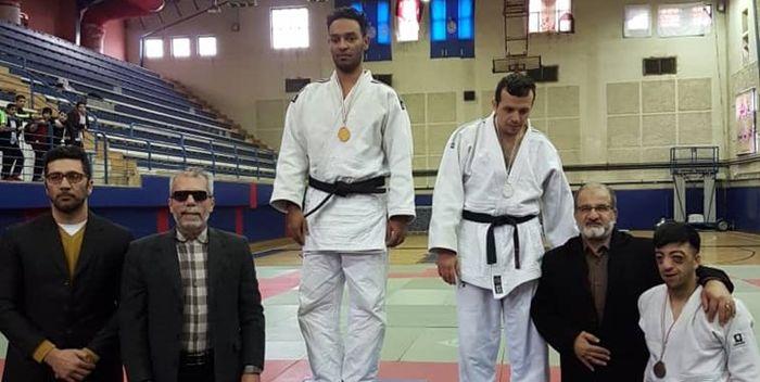 گردن آویز طلای جودوی کشور به کم بینای هرمزگان رسید