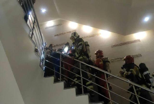 آتش سوزی در یک بیمارستان/ دهها نفر از بیماران نجات یافتند/ حادثه تلفات جانی نداشته است