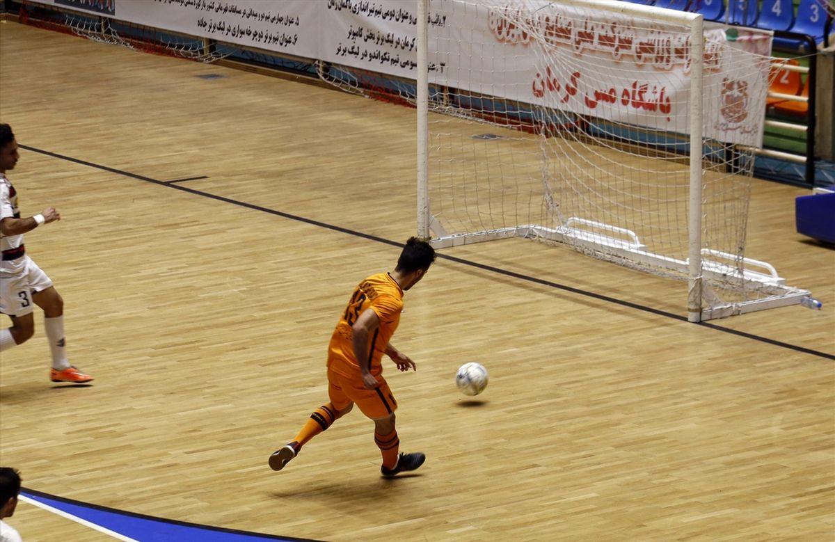 شناخت تیم های برتر مسابقات فوتسال رده های سنی قزوین