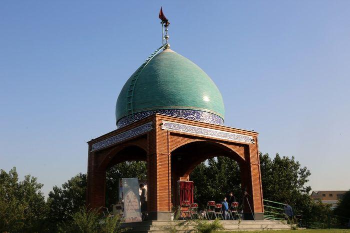 آیین رونمایی از احداث مقبره شهدای گمنام در بوستان شقایق منطقه 19
