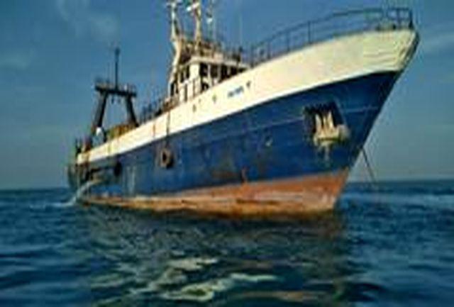 توقیف دو فروند کشتی متخلف صید ترال در جاسک