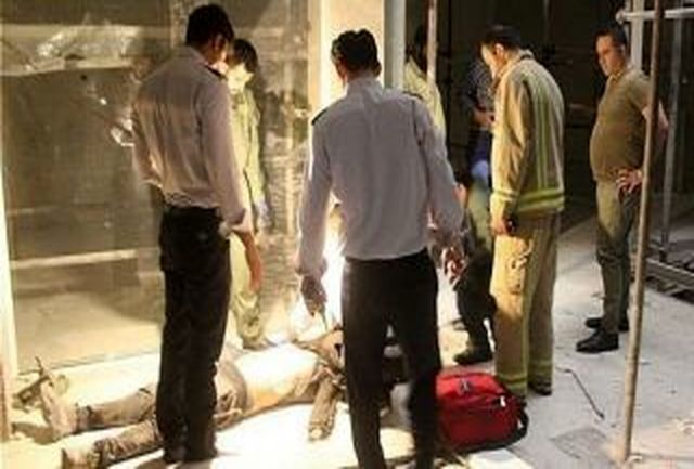 سقوط کابین آسانسور بر روی سرویسکار