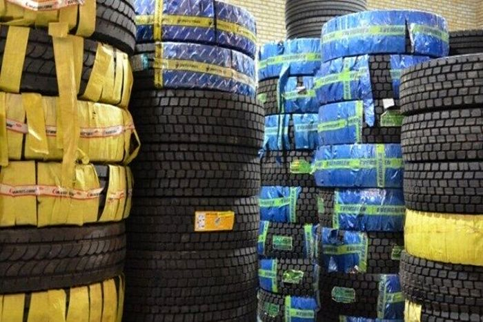 کشف انبار 9.5 میلیارد ریال لاستیک در همدان