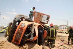 یک کشته براثر واژگونی یک دستگاه کامیون  میکسر حامل بتن