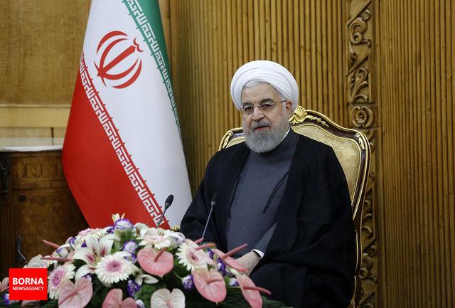 ثمره چهل سال ایستادگی و مقاومت، بصیرت روزافزون ملت شهیدپرور ایران در برابر هجمه دشمنان است/ قدرشناسی مردم از رشادتها و فداکاریهای مدافعین حرم، همواره مشعل پرفروغ شهدا، را فروزان نگاه داشته است
