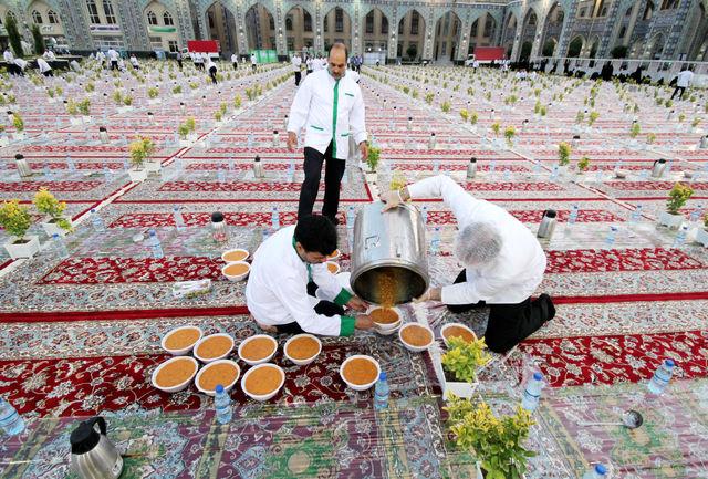 در ماه مبارک رمضان، سحری را پس از نیمه شب میل کنید/هنگام سحری آب زیاد ننوشید/فاصله زمانی بین افطار و شام را رعایت کنید