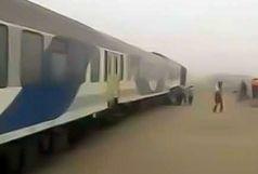 طوفان شن، قطار زاهدان ـ کرمان را از ریل خارج کرد/ مسافران در سلامت کاملند