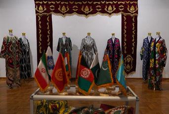 نمایشگاه نخ و نگاره هیما