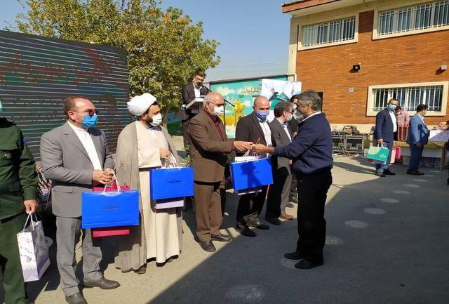 تحقق رویای دانش آموزان نیازمند کهریزکی به وسعت مهربانی خیرین/ اهدای ۷۰ تبلت برای ساختن فردای بهتر ایران اسلامی