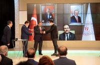 جایزه بهترین ورزشکاران سال ترکیه به آکگول و کایالپ اهدا شد