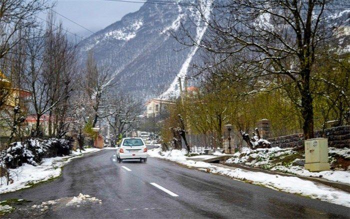 تمامی جادههای کوهستانی استان برفی است