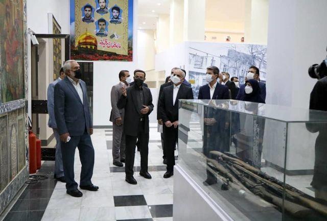 بازدید وزیر آموزش و پرورش از موزه دفاع مقدس آذربایجان غربى