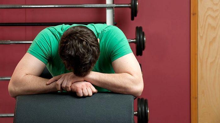 اگر این نشانهها را دارید، ورزش نکنید