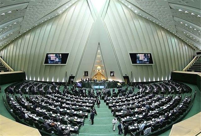 کسب شهرت 15 دقیقه ای آفت امروز سیاست در ایران