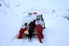 نجات 15 فرد گرفتار برف در جیرفت