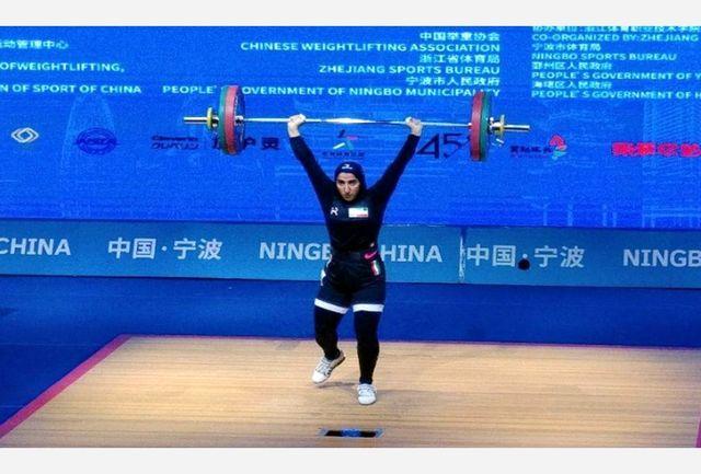 قول کسب مدال نمیدهم/ وجود مربی خارجی به رشد وزنهبرداری کمک میکند/ فدراسیون حمایت لازم را از بانوان دارد