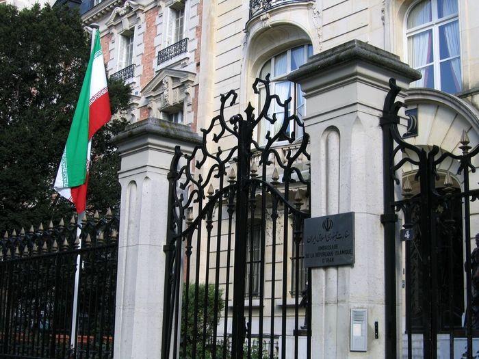 پاسخ سفارت ایران در فرانسه به درخواست آزادى دو متهم در ایران