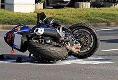 لایی کشیدن موتورسواران در خط ویژه منجر به تصادف شد