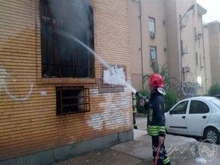 نجات خانواده چهار نفره اهوازی از آتش سوزی طبقه چهارم کوی پردیس