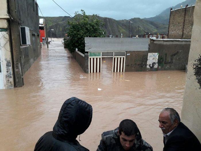 راه ارتباطی25 روستای بخش معمولان قطع است