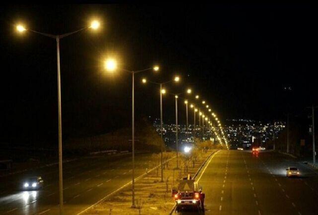 مدیرکل دفتر نظارت بر توزیع توانیر از روشنایی معابر پایتخت بازدید کرد