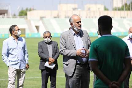 نخستین تمرین جوانان با حضور دبیرکل فدراسیون  فوتبال