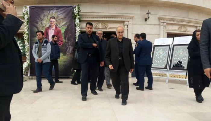 مراسم ترحیم و بزرگداشت یکی از جانباختگان کرمانی در سانحه هواپیمای اوکراینی