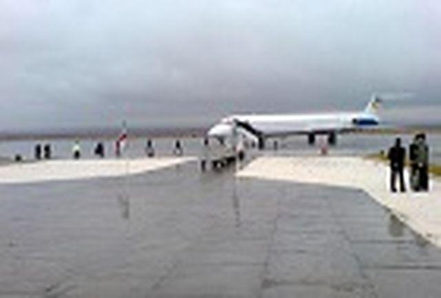 فرودگاه بندرعباس به علت آبگرفتگی تا ظهر جمعه غیرقابل استفاده شد