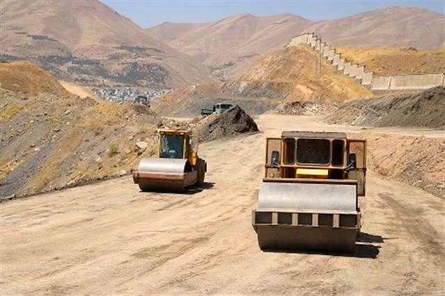 آغاز عملیات اتصال فاز 2 و تکمیل فاز 3 کمربندی 36 متری اسلام آباد در سنندج